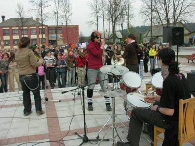 Simona Smirnova koncertuoja Ignalinos aikštėje 2006