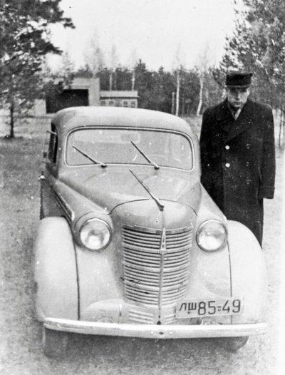"""Antanas Jankevičius pirmiausia nusipirko automobilį """"Moskvič""""."""