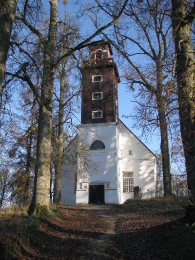 Tolminkiemio bažnyčia pastatyta  1756–1764 m. K. Donelaičio rūpesčiu. 1950 m. bažnyčia buvo sugriauta ir po beveik trisdešimties metų atstatyta  dr. Kazio Napoleono Kitkausko dėka. (Kristijono Donelaičio draugijos nuotr.)