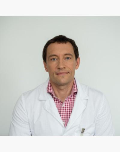 Gydytojas V. Pečeliūnas teigia, kad skiepai gali net 95 proc. (Nuotrauka iš www.santa.lt) sumažinti koronaviruso paplitimą.