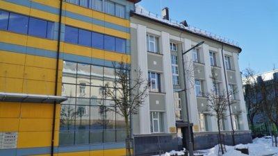 1937-aisiais buvo nugriautas ties dabartine A. Mickevičiaus g. buvęs seniausias miesto pastatas. Nugriovus senąjį namą, jo vietoje pastatyta privati Jokūbo Goldbergo moterų ligoninė.