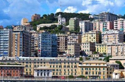 Alessandro gimtojoje Genujoje, dukart didesnėje už Klaipėdą, šiuo metu gyvena daugiau nei pusė milijono žmonių. Eismo spūstys, triukšmas, žmonių minios, tad italą žavi Šiauliuose tvyranti ramybė. (Flickr.com nuotr.)