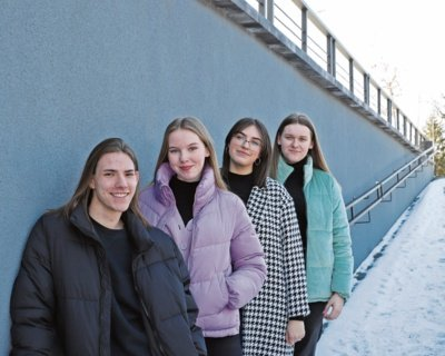 Gvidas, Grėtė, Paulina ir Danielė šiuo metu kuria edakucines tinklalaides bei įrašo audiovadovėlius. Aidos GARASTAITĖS nuotr.
