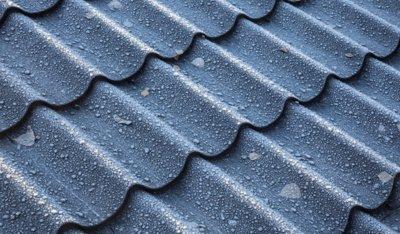"""Pav. Plieninėms stogų dangoms neribojamas šalčio ciklų skaičius, t.y. jos yra itin atsparios ir dideliems šalčiams, ir vasaros saulės kaitrai, netrūkinėja ir nepraranda sandarumo susidarius ledui. """"Ruukki Products"""" AS archyvo medžiaga."""
