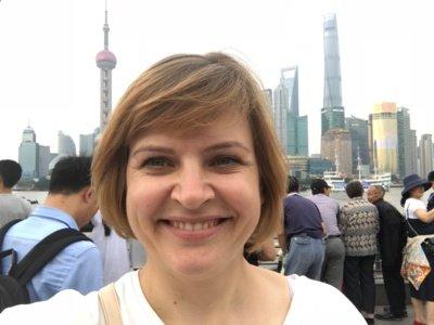 """Kinų kalbos mokytoja Ingrida Ignatavičienė: """"Išvykę iš Šiaulių, radome naujų horizontų, galimybių, bet mūsų artimieji ir draugai – Šiauliuose."""" (Ingridos Ignatavičienės asmeninio archyvo nuotr.)"""
