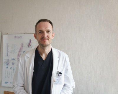 Neurochirurgijos skyriaus vedėjui neurochirurgui Deividui Stukui supratimas, kaip turėtų atrodyti Neurochirurgijos skyrius, atėjo laikinai vykdant skyriaus vedėjo pareigas.