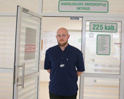 Respublikinės Šiaulių ligoninės Diagnostikos centro Endoskopijų skyriaus koordinatorius Justas Birutis džiaugiasi, kad dirbti ir siekti tikslų gali geriausiomis sąlygomis.