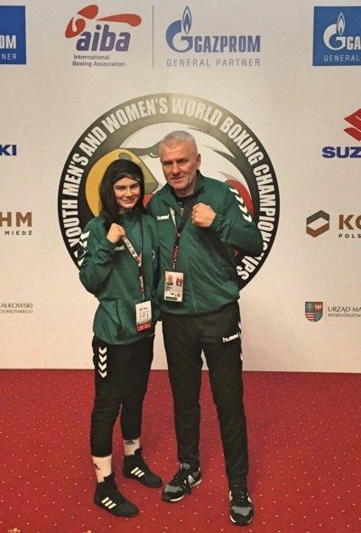 Dija Bajalytė su treneriu Stasiu Balčiausku Lenkijoje dalyvavo Pasaulio jaunimo bokso čempionate.