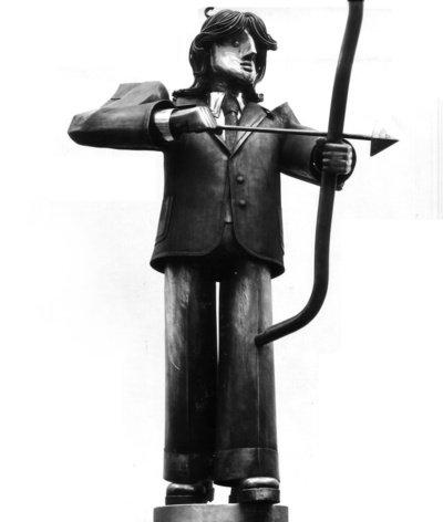 """Štai toks Šiaulių amūriukas turėjo stovėti vietoje """"Pelikanų"""" fontano. Liko tik nuotrauka, eksponuota 1978 m. personalinėje dizaino parodoje """"Mūsų miestas – mūsų namai"""". (Viliaus Purono asmeninio archyvo nuotr.)"""