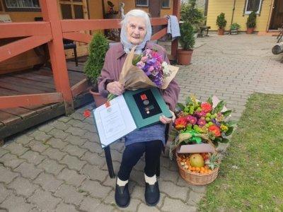 """Motinos dienos proga 44 mamoms ir globėjoms visoje Lietuvoje įteikti ordino """"Už nuopelnus Lietuvai"""" medaliai. Anelė Virbickienė. Prezidento kanceliarijos nuotr."""