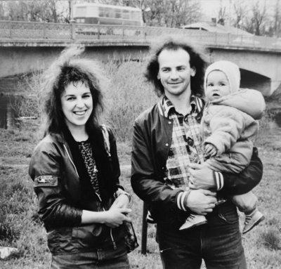 Vilma ir Eimutis Žviedriai su mažąja Gintare.