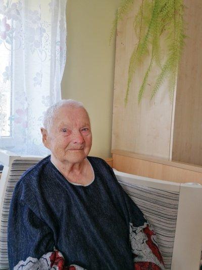 Šiaulietė Zofija Baškienė atvira: auginti sūnų, kuris dabar nuolat lanko motiną, buvo tikra laimė. (Autorės nuotr.)
