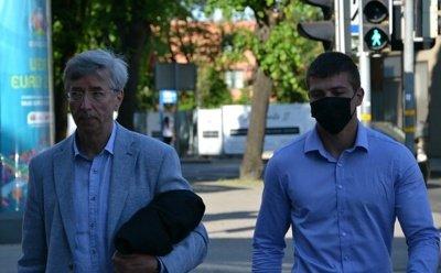 Jurbarkietis Mantas atvyko į teismo posėdį / R. Rumšienės/LRT nuotr.